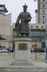 Chin Van Khanddorj Statue - Seoul Street