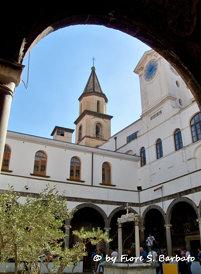 Napoli (NA), 2012, Chiostro di Santa Maria la Nova.