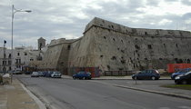 Замок Мола-ди-Бари