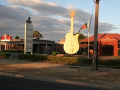 big-golden-guitar-2011a.jpg