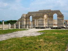 Голямата базилика край Плиска
