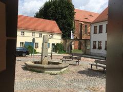Blick auf Marktbrunnen und Kloster Marienstern