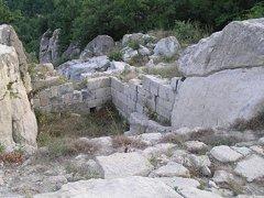 кулата пази срещу набезите на времето