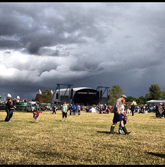 We have either sun or apocalyptic clouds and rain at Hop Farm today!