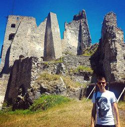 Viackrát v histórii zničili hrad Likava cisárske vojská. Neskôr slúžil ako vojenská ubytovňa a väzen
