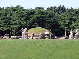 Makam Penguasa Dinasti Joseon