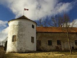 Alsunga Castle