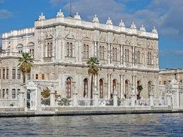 Dolmabahçe palota