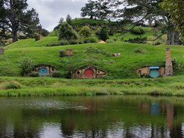 Hobbiton Movie Set & Farm Tours