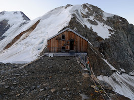 Hollandia Hut