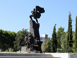Independence Monument (Albania)