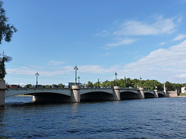 Kamennoostrovsky Bridge