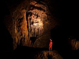 Krásnohorská Cave