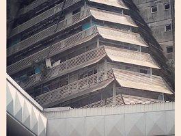 La Pyramide (building)
