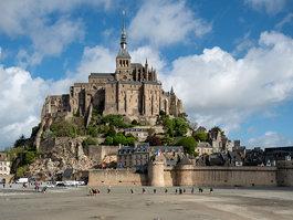 Mont-Saint- Michel