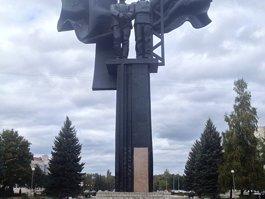 Монумент советско-болгарской дружбы (Старый Оскол)