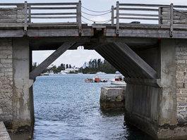 Somerset Bridge, Bermuda