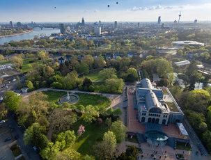 Luftaufnahme: Flora und Kölner Dom