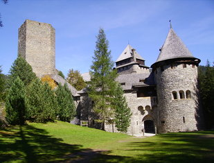 Burg Finstergrün (castle dark green)