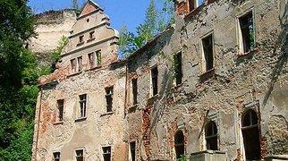 Niesytno Castle>