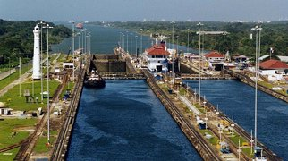 Panamakanal>