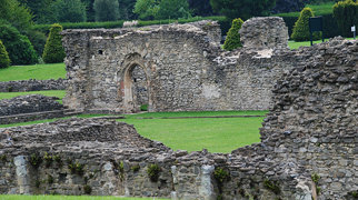 Lesnes Abbey>