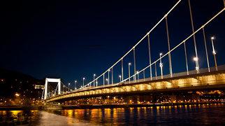 Erzsébet Bridge>