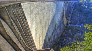Contra Dam>