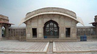 Naulakha Pavilion>