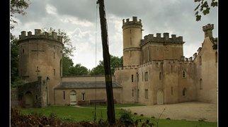 Clytha Castle>