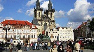 Old Town Square (Prague)>