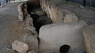 Züschen (megalithic tomb)>