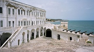 Cape Coast Castle>