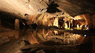 Cox's Cave>