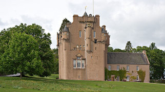 Crathes Castle>