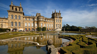 Blenheim Palace>