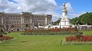 Buckingham Palace>
