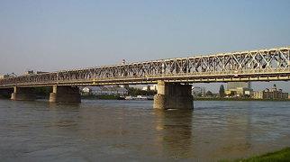 Starý most (Bratislava)>