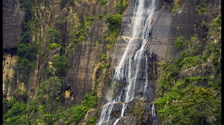 Bambarakanda Falls>