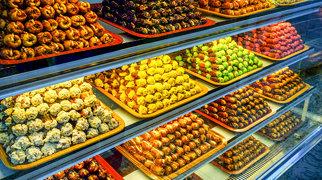 Abu Dhabi Vegetable Market>