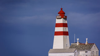 Alnes lighthouse>