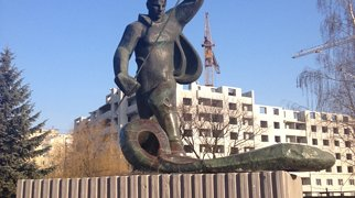 «Алёша» – памятник металлургу>