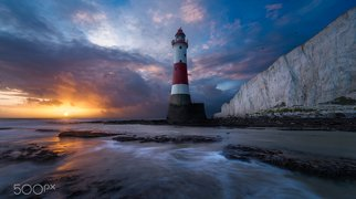Beachy Head Lighthouse>