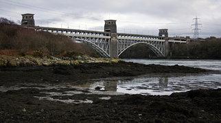 Britannia Bridge>