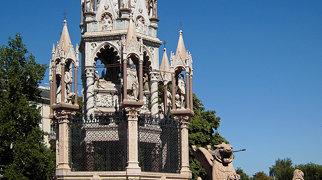 Brunswick Monument>