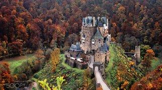 Burg Eltz>