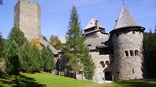Burg Finstergrün>