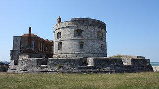 Calshot Castle>