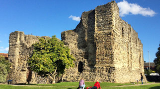 Canterbury Castle>