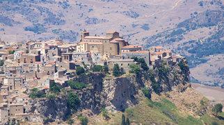 Castello di Lombardia>